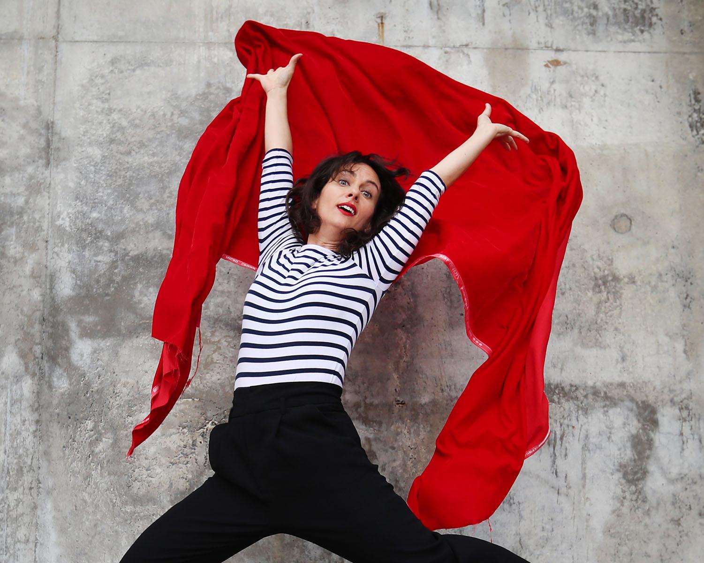 Olivia Moore s'arroge la Comédie de Paris dès le 15.09!